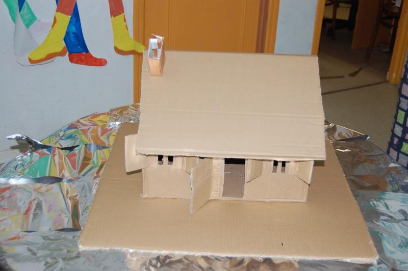Peggy66 - Gabarit maison en carton ...