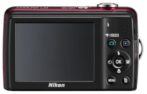 le Nikon Coolpix L23 rouge de dos