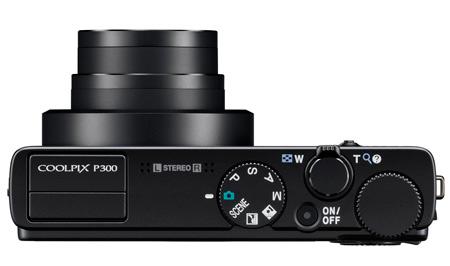 le Nikon Coolpix P300 de haut
