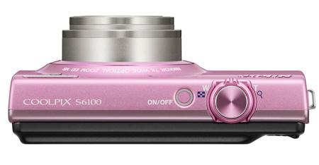 le Nikon Coolpix S6100 rose de haut