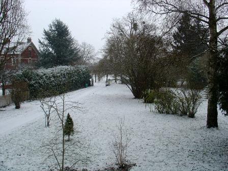 Et bien voilà, il neige sur la chambre !  dans Message du jour 00710