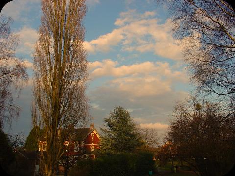 La chambre, vue sur ciel...  dans Le jardin des souvenirs 00810