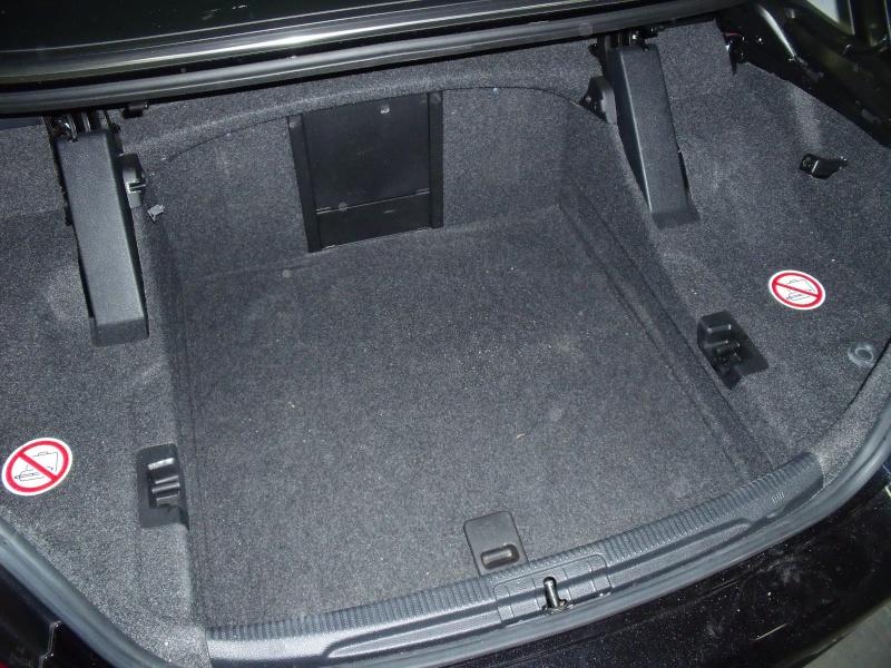 voici une solution pour passer un c ble dans votre eos aide eos volkswagen forum marques. Black Bedroom Furniture Sets. Home Design Ideas