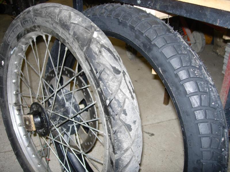 changer ses pneus changer ses pneus de scooter mode d 39 emploi changer ses pneus d 39 altino. Black Bedroom Furniture Sets. Home Design Ideas