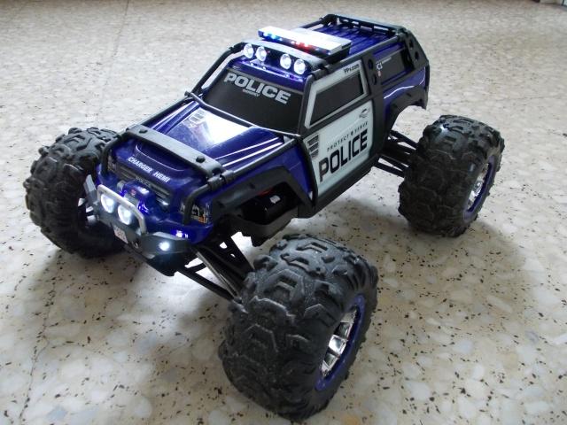 Traxxas Summit 1 10 Police Patrol