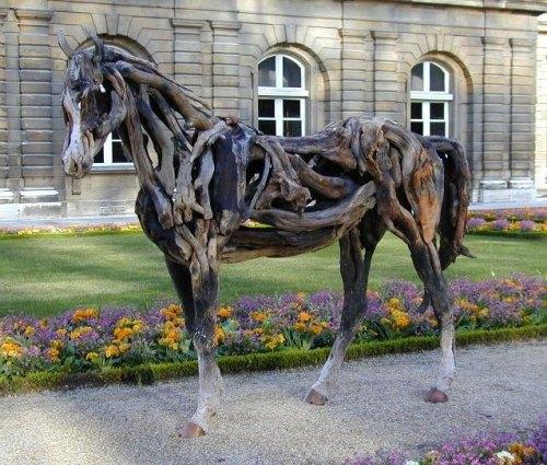 Heather jansch sculptures chevaux en bois flott - Mobilier jardin bois saint paul ...
