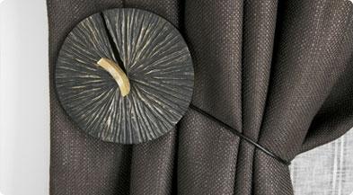 les rideaux doubles rideaux embrasses mecanismes. Black Bedroom Furniture Sets. Home Design Ideas