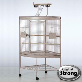 cage assez grande ou pas. Black Bedroom Furniture Sets. Home Design Ideas