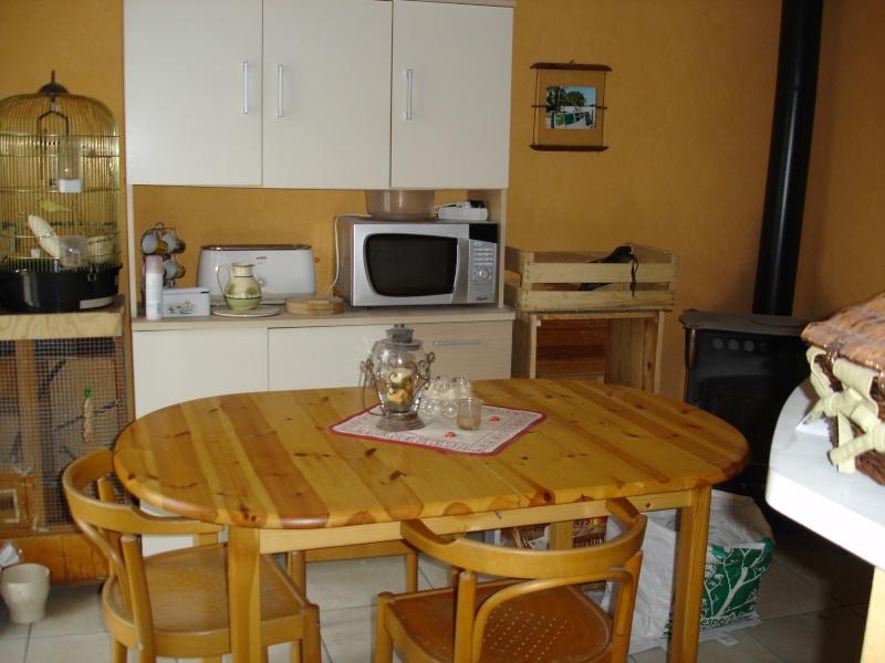refaire coin repas papier ou peinture meuble. Black Bedroom Furniture Sets. Home Design Ideas