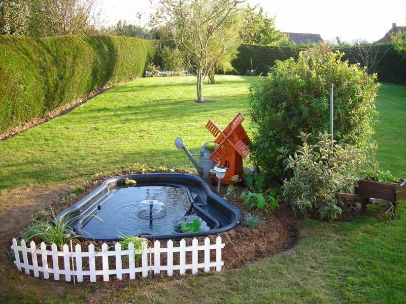 Mon petit bassin de jardin 500 l photos for Pompe pour bassin poisson exterieur