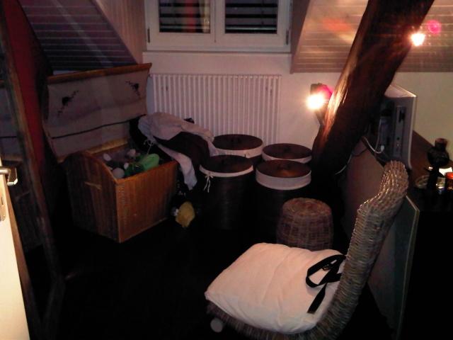 Chambre coucher comment placer les meubles julien o for Placer meubles salon