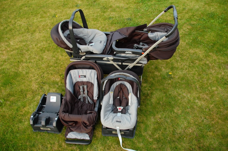 vends poussette double peg perego duette 2 cosy et bases voitures. Black Bedroom Furniture Sets. Home Design Ideas