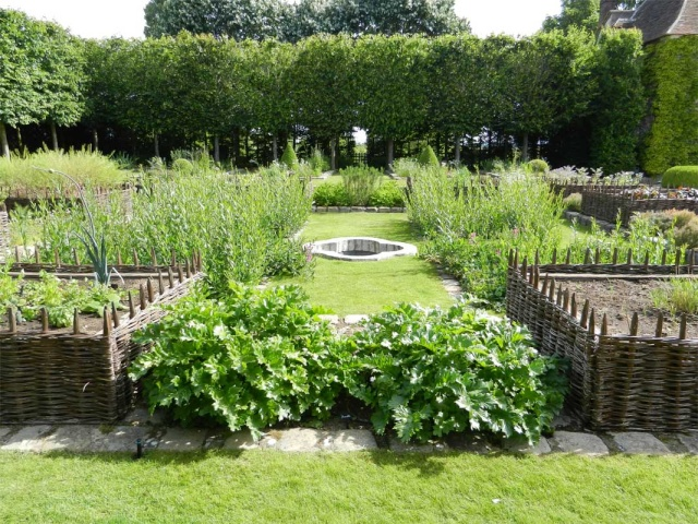 Art du jardin jardins d 39 exception fleurs d 39 exception for Jardin medieval